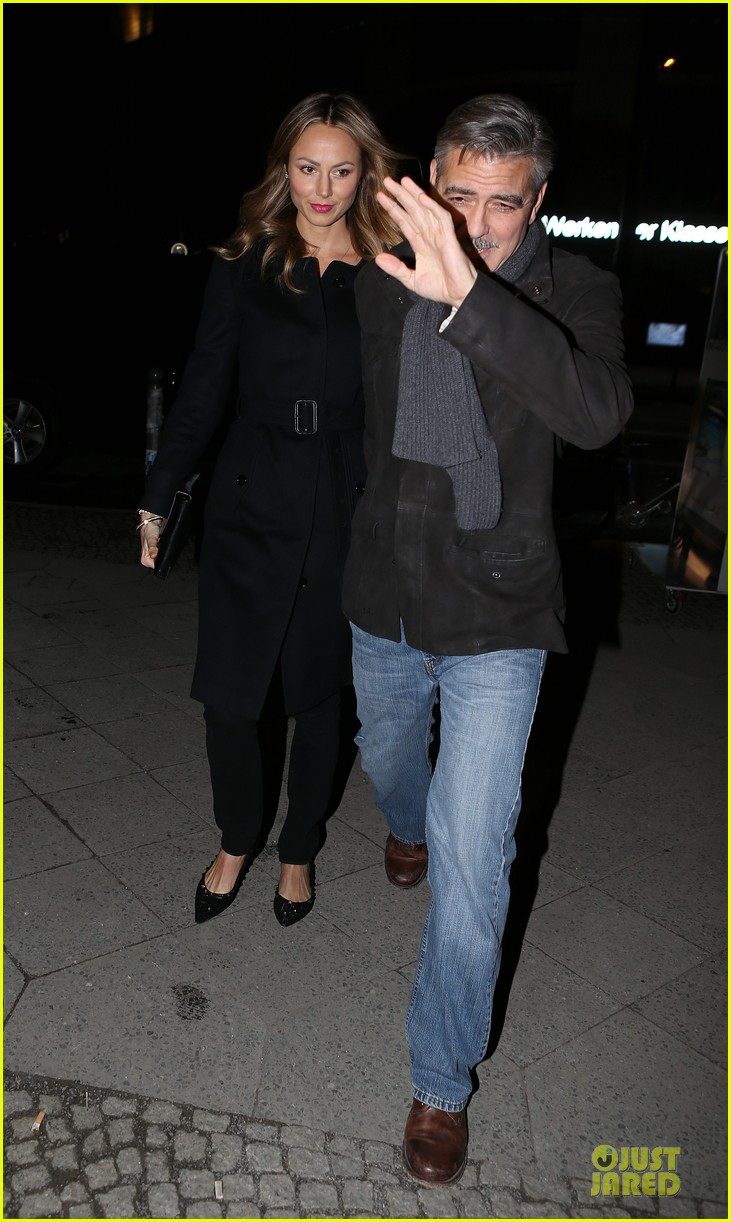 george clooney stacy keibler grille royal dinner with matt damon 202831637
