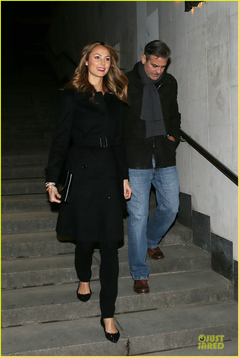 george clooney stacy keibler grille royal dinner with matt damon 23
