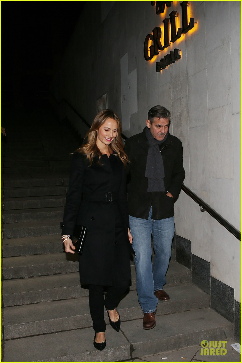 george clooney stacy keibler grille royal dinner with matt damon 242831641