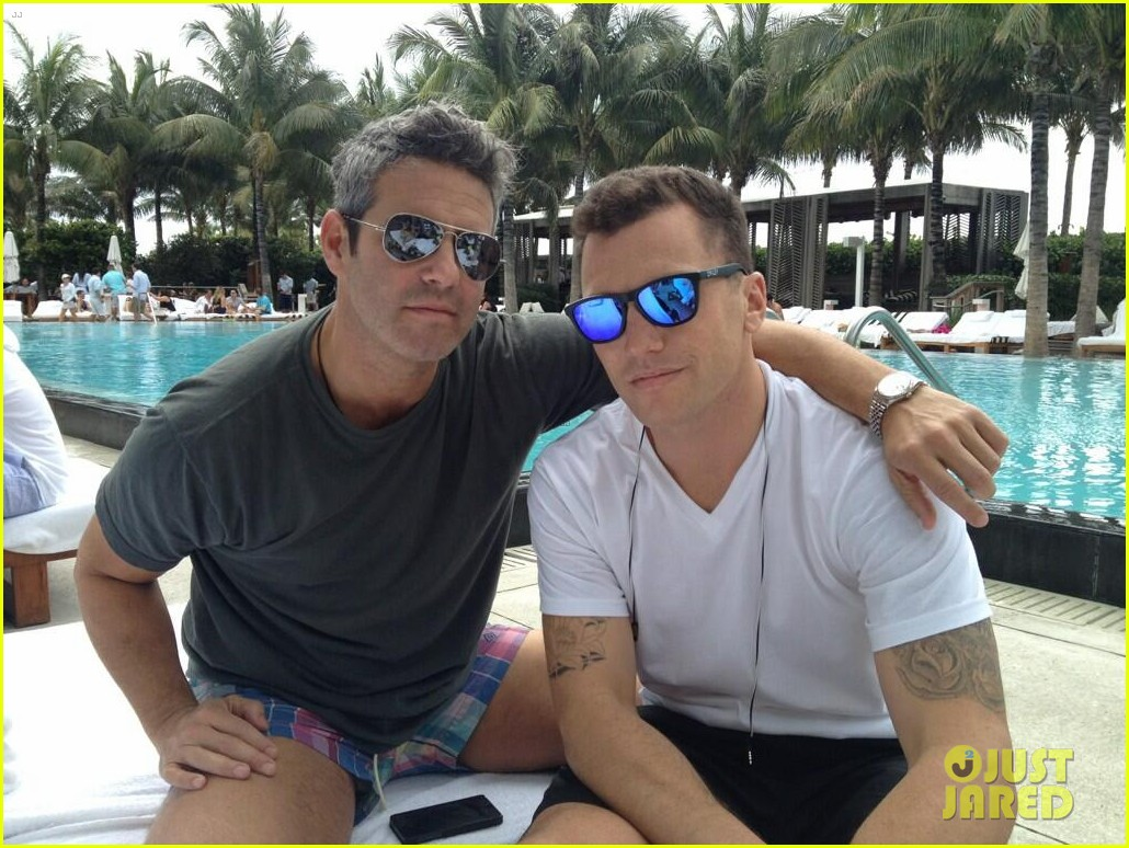 andy cohen sean avery shirtless anniversary 02