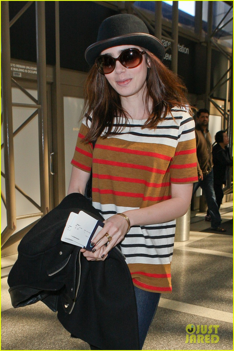 lily collins bowler babe at lax 082825122