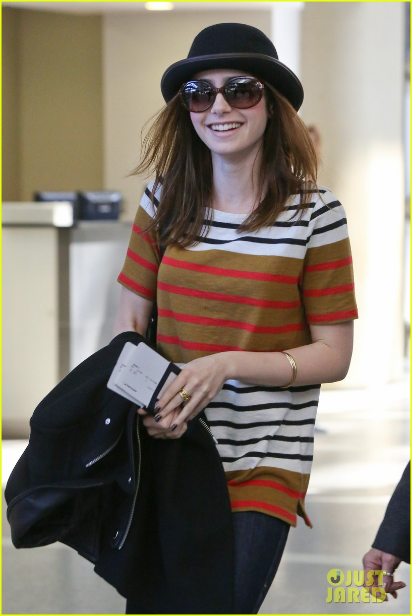 lily collins bowler babe at lax 092825123