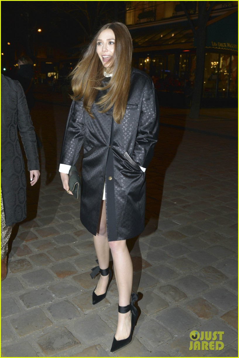 lily collins elizabeth olsen louis vuitton cocktail party 012825941