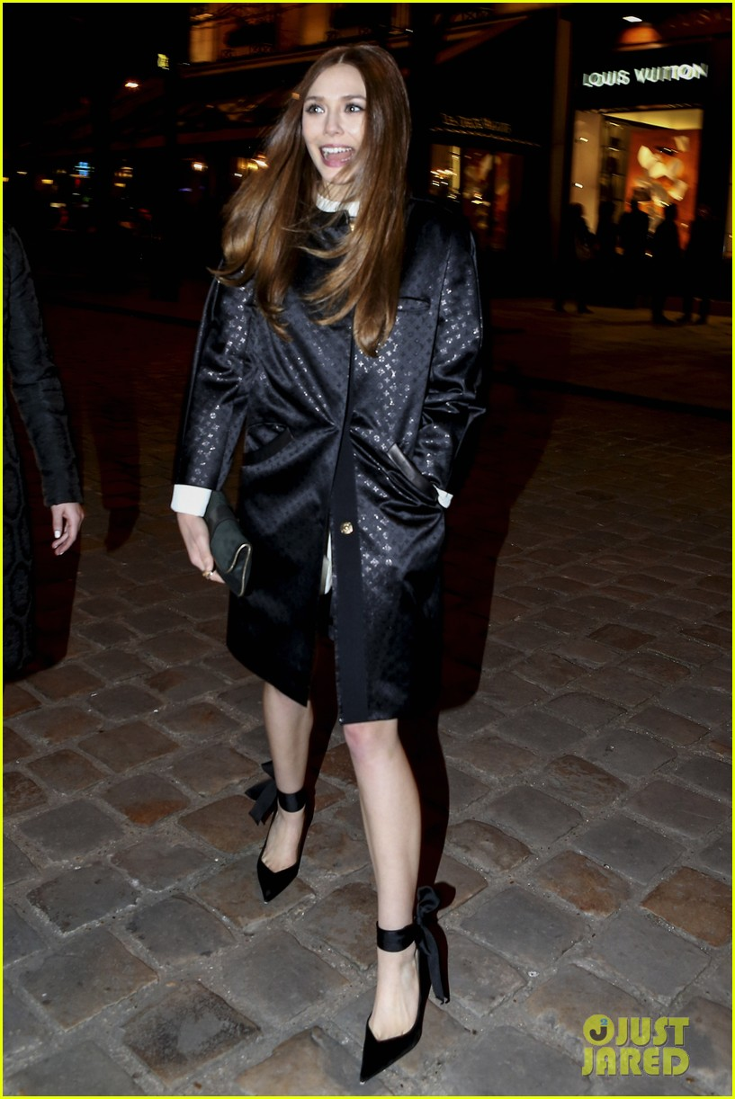 lily collins elizabeth olsen louis vuitton cocktail party 04