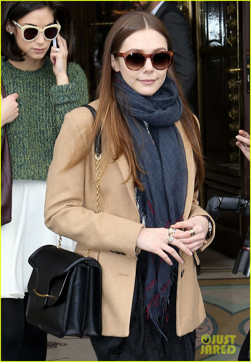 lily collins elizabeth olsen paris fashion week fun 02