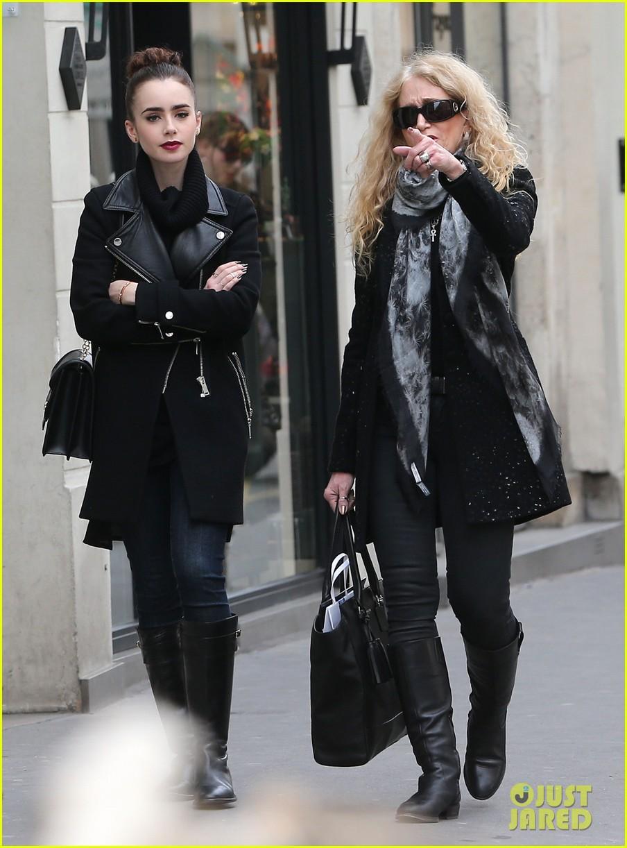 lily collins elizabeth olsen paris fashion week fun 032826386