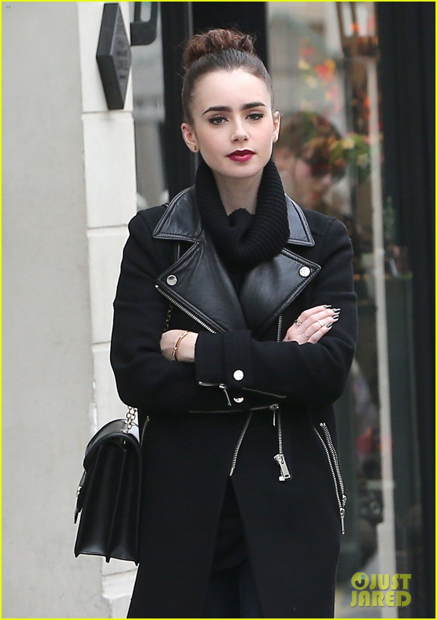 lily collins elizabeth olsen paris fashion week fun 112826394