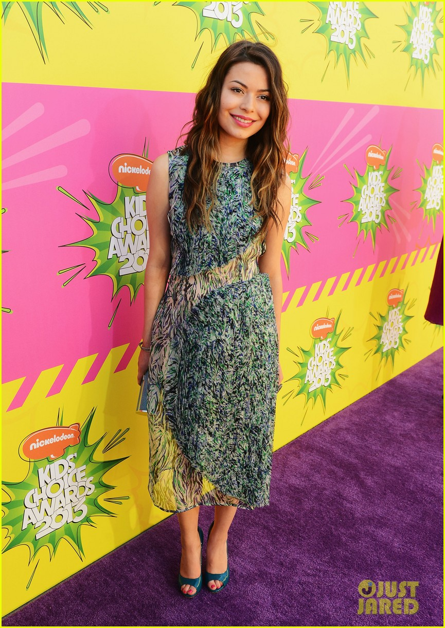miranda cosgrove ariana grande kids choice awards 2013 192836675