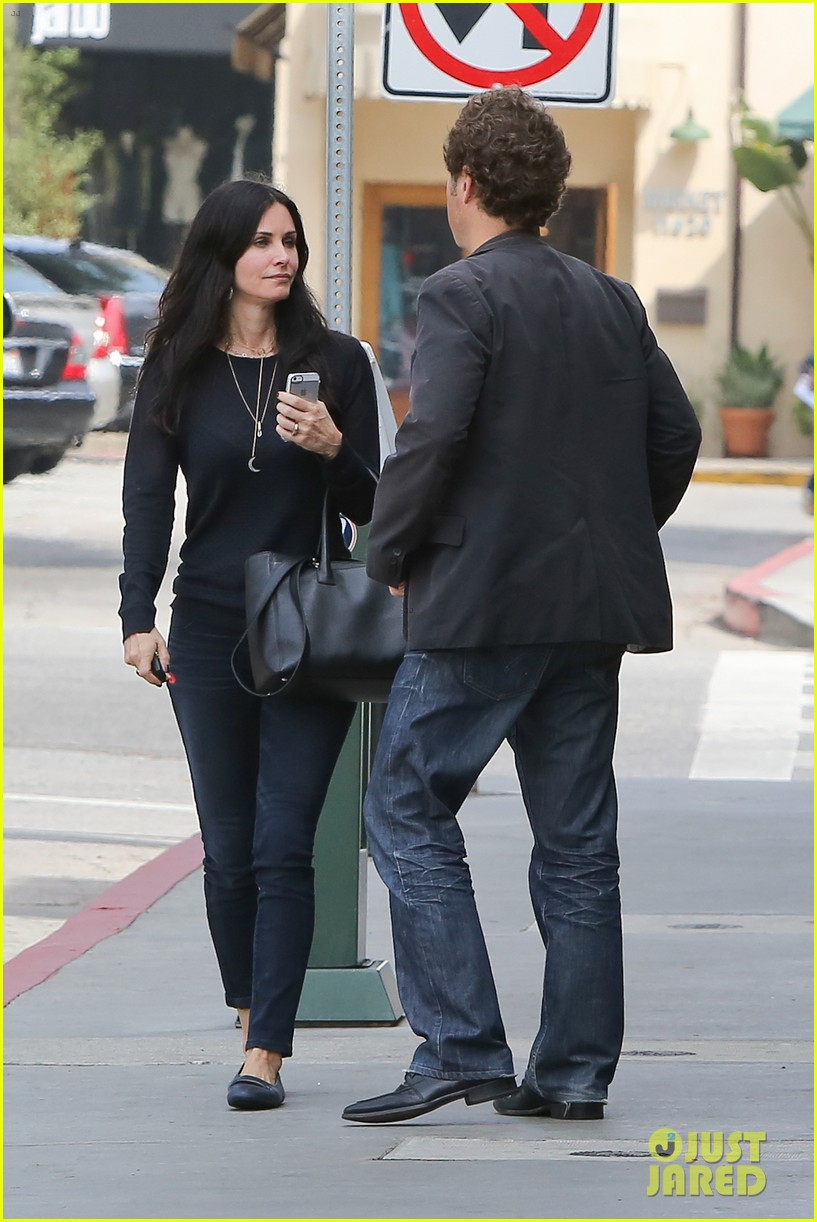 courteney cox thrilled about cougar town renewel 10