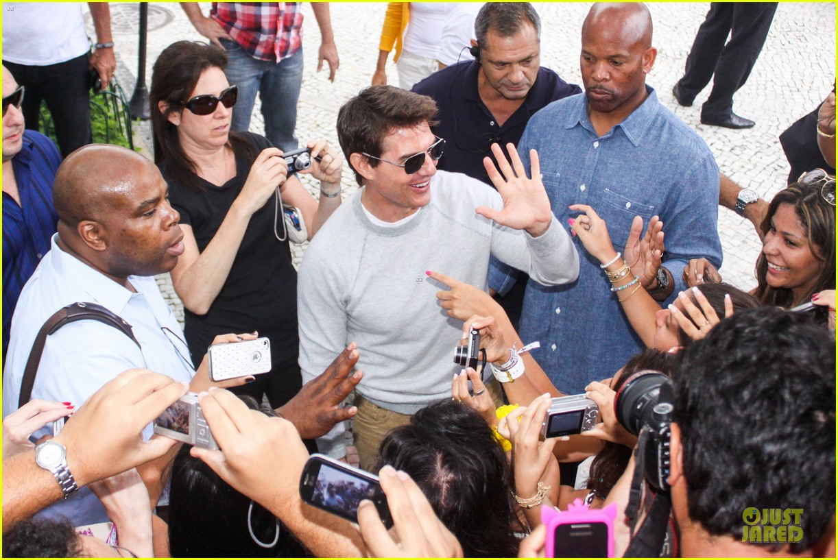 tom cruise oblivion stills released 16