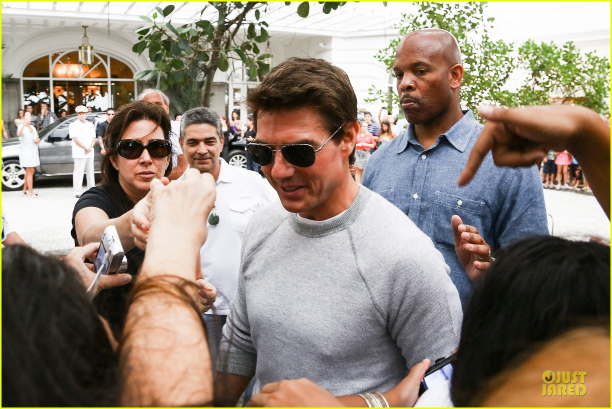 tom cruise oblivion stills released 182840513