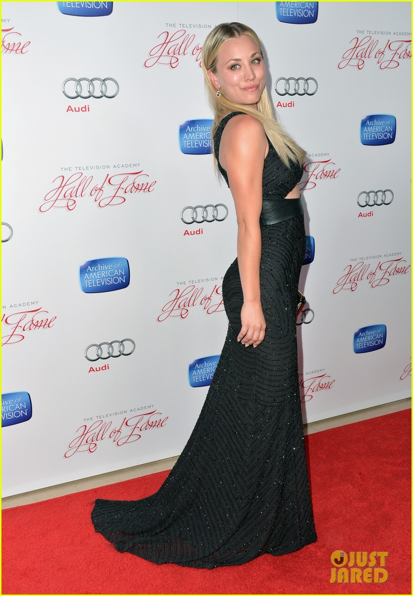 kaley cuoco will arnett academy hall of fame gala 05