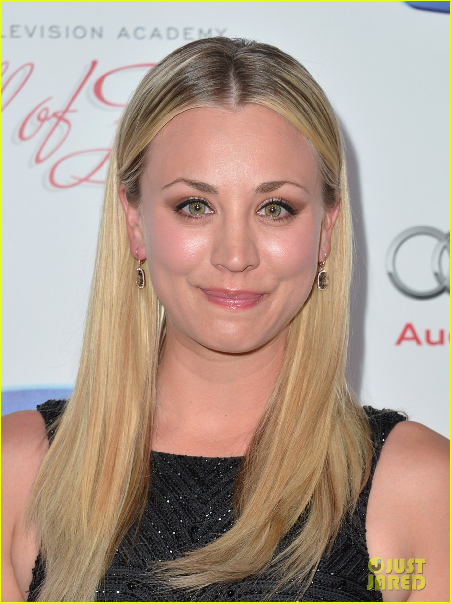 kaley cuoco will arnett academy hall of fame gala 09