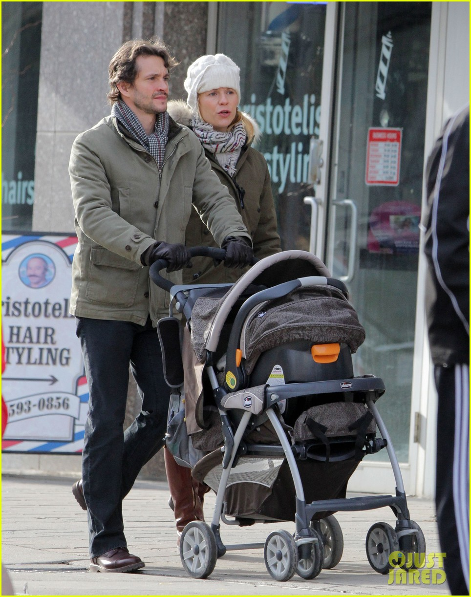 claire danes hugh dancy family day with baby cyrus 212828266