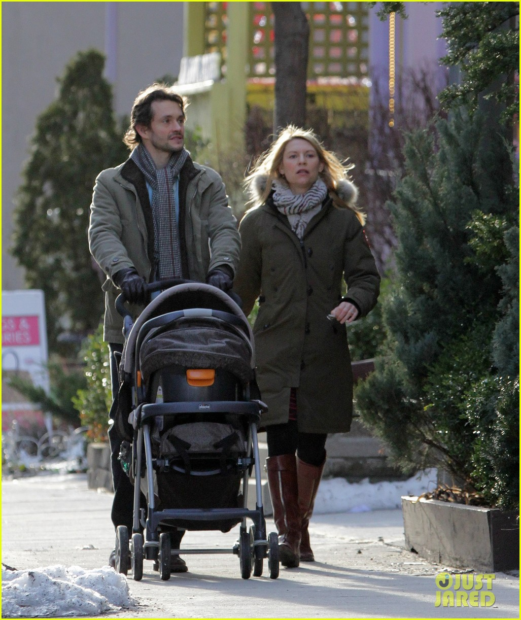 claire danes hugh dancy family day with baby cyrus 282828273