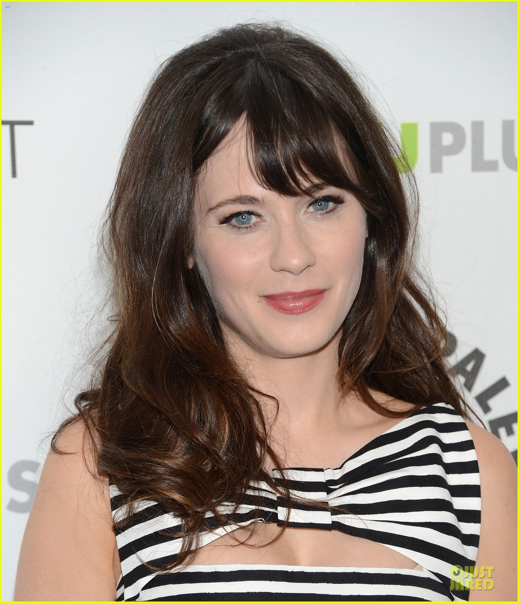 zooey deschanel paleyfest with new girl cast 132829163