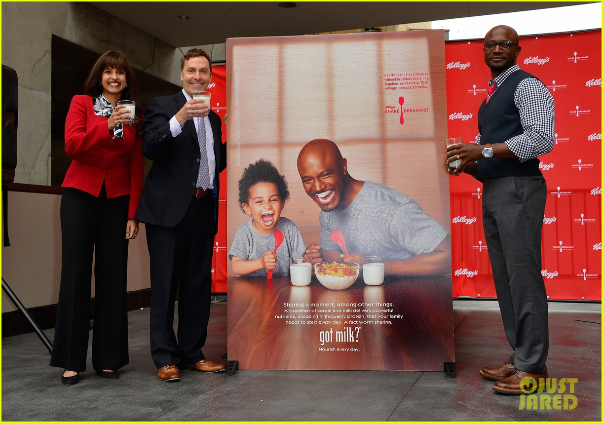 taye diggs walker lunch after got milk ad unveiling 03