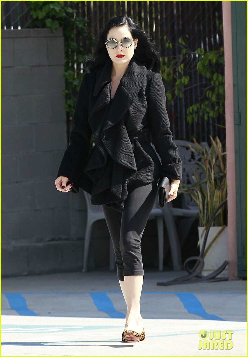 dita von teese back on the saddle with dressage lessons 092835635