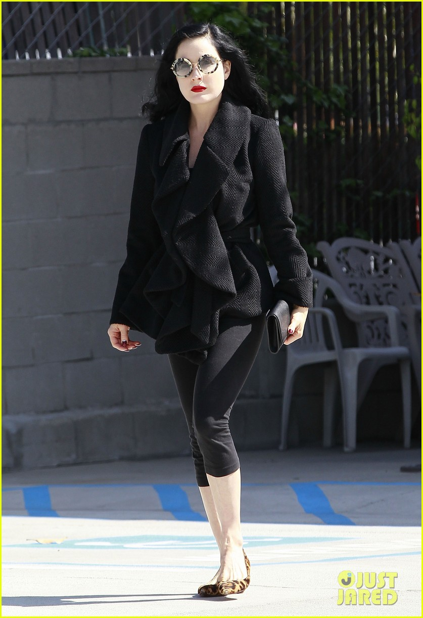 dita von teese back on the saddle with dressage lessons 102835636