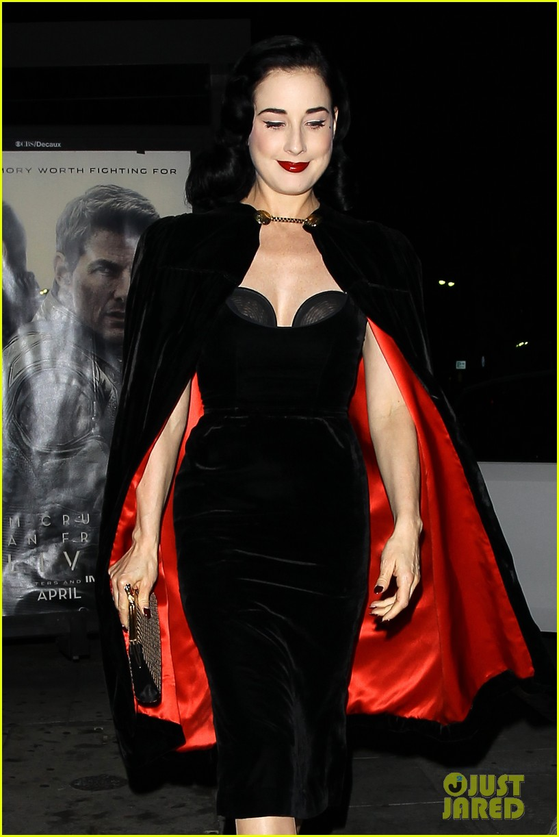 Dita Von Teese: I Know How To 'twerk'!: Photo 2839303  Dita Von Teese  Pictures  Just Jared