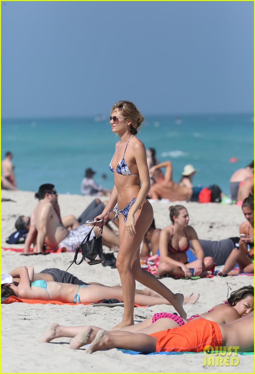 doutzen kroes candice swanepoel miami bikini beauties 08