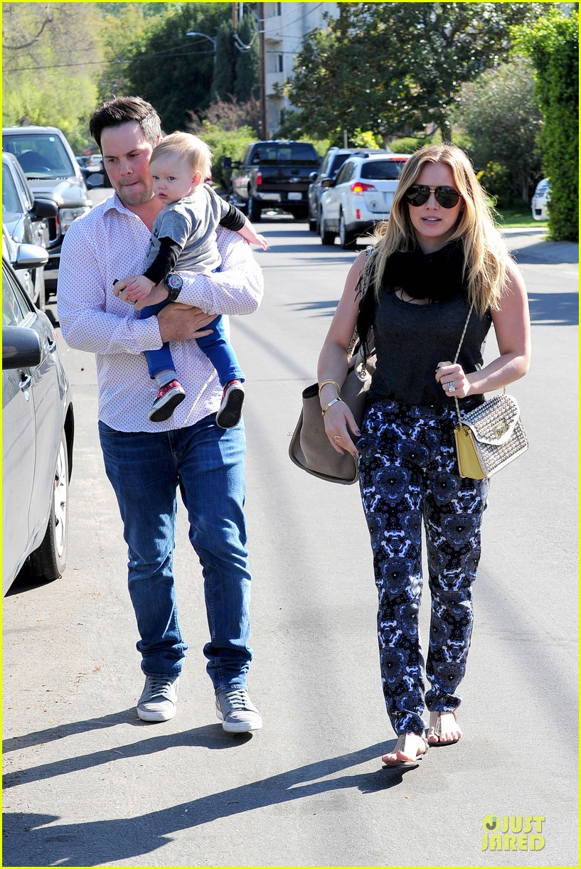 hilary duff mike comrie birthday party with luca 062828006
