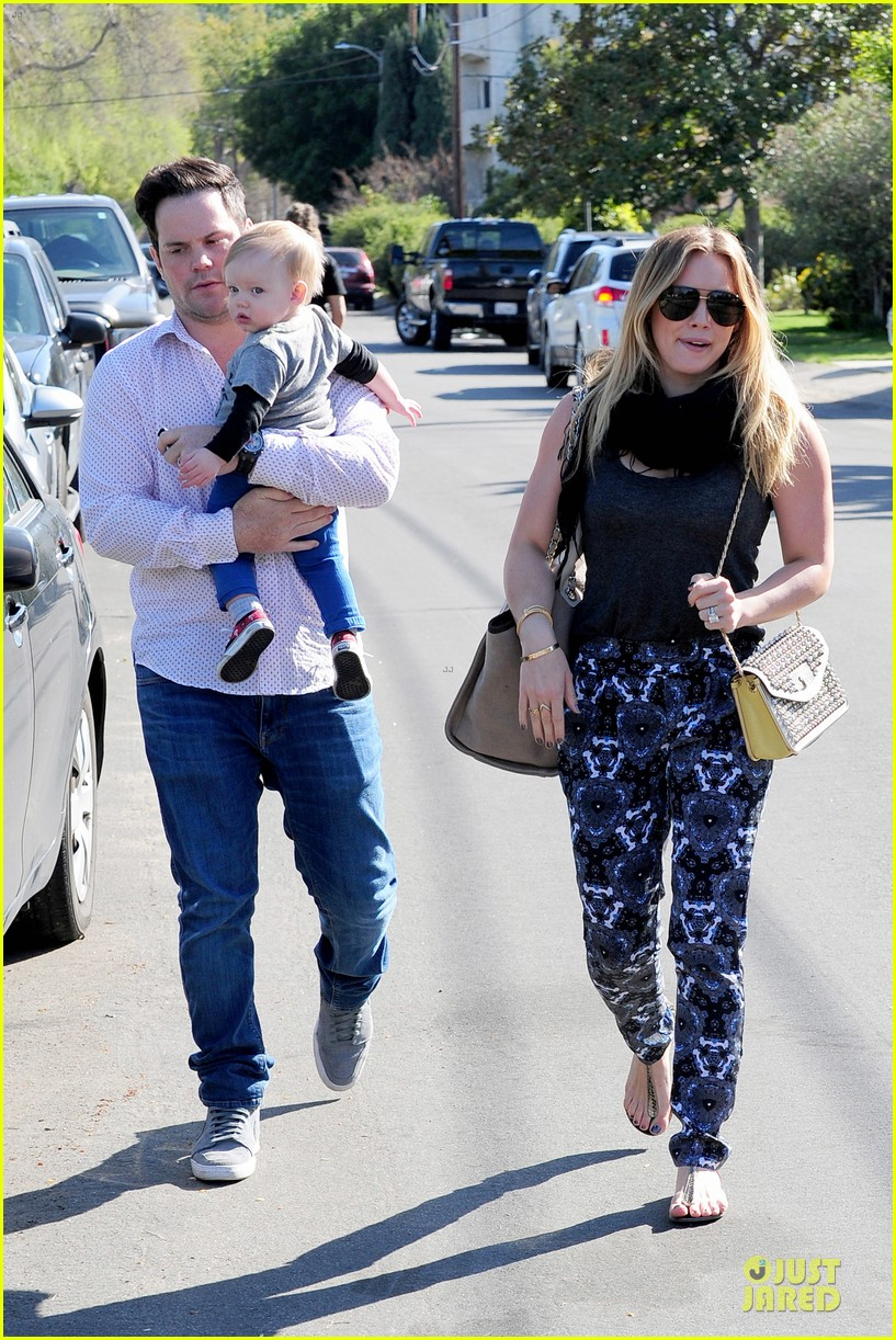 hilary duff mike comrie birthday party with luca 072828007