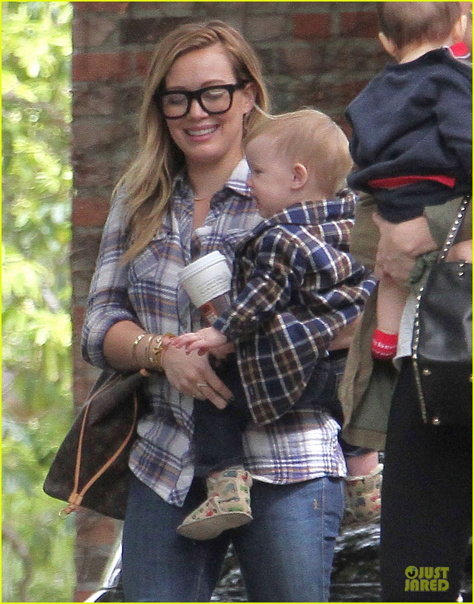 hilary duff mike comrie birthday party with luca 13