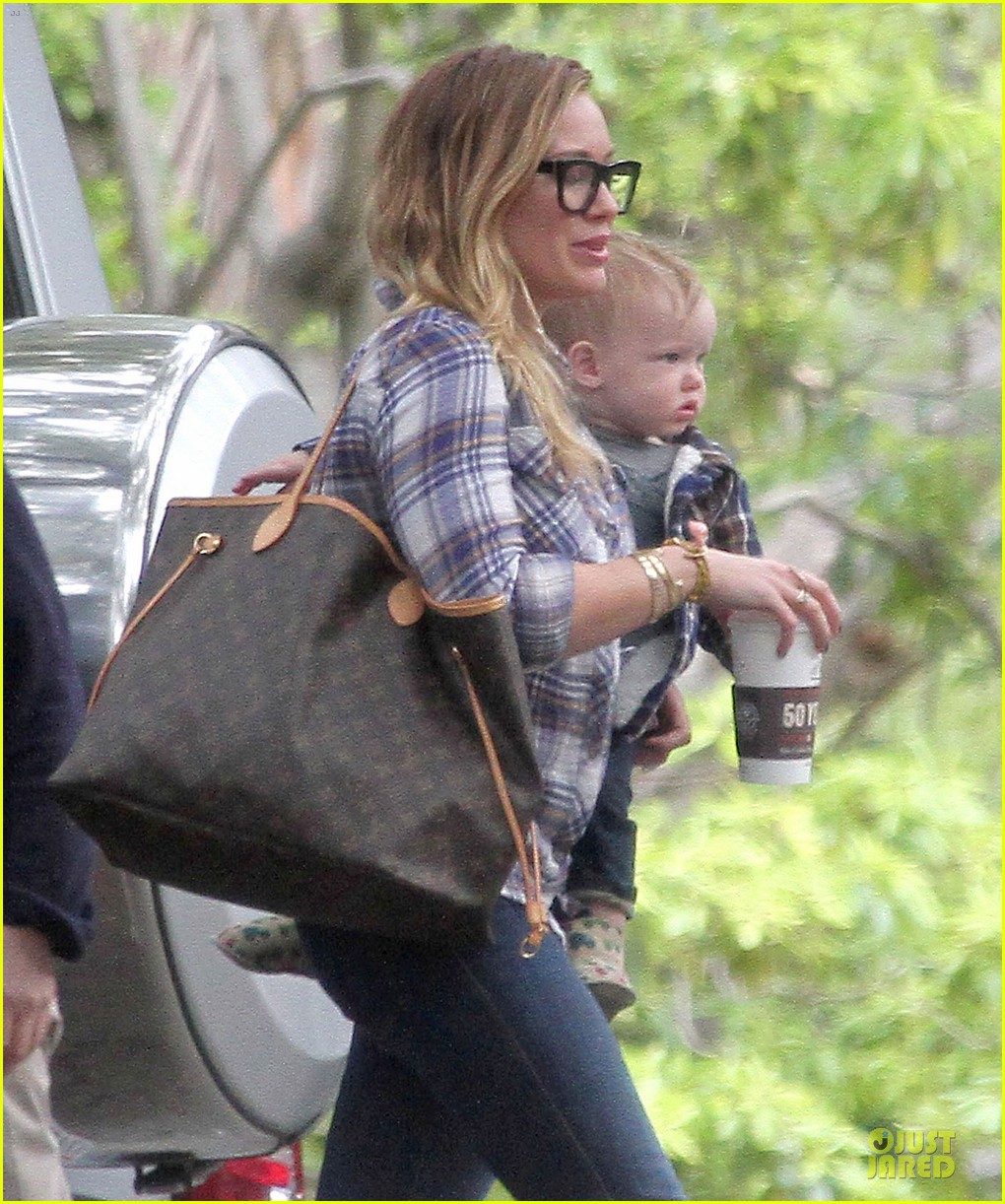 hilary duff mike comrie birthday party with luca 232828023