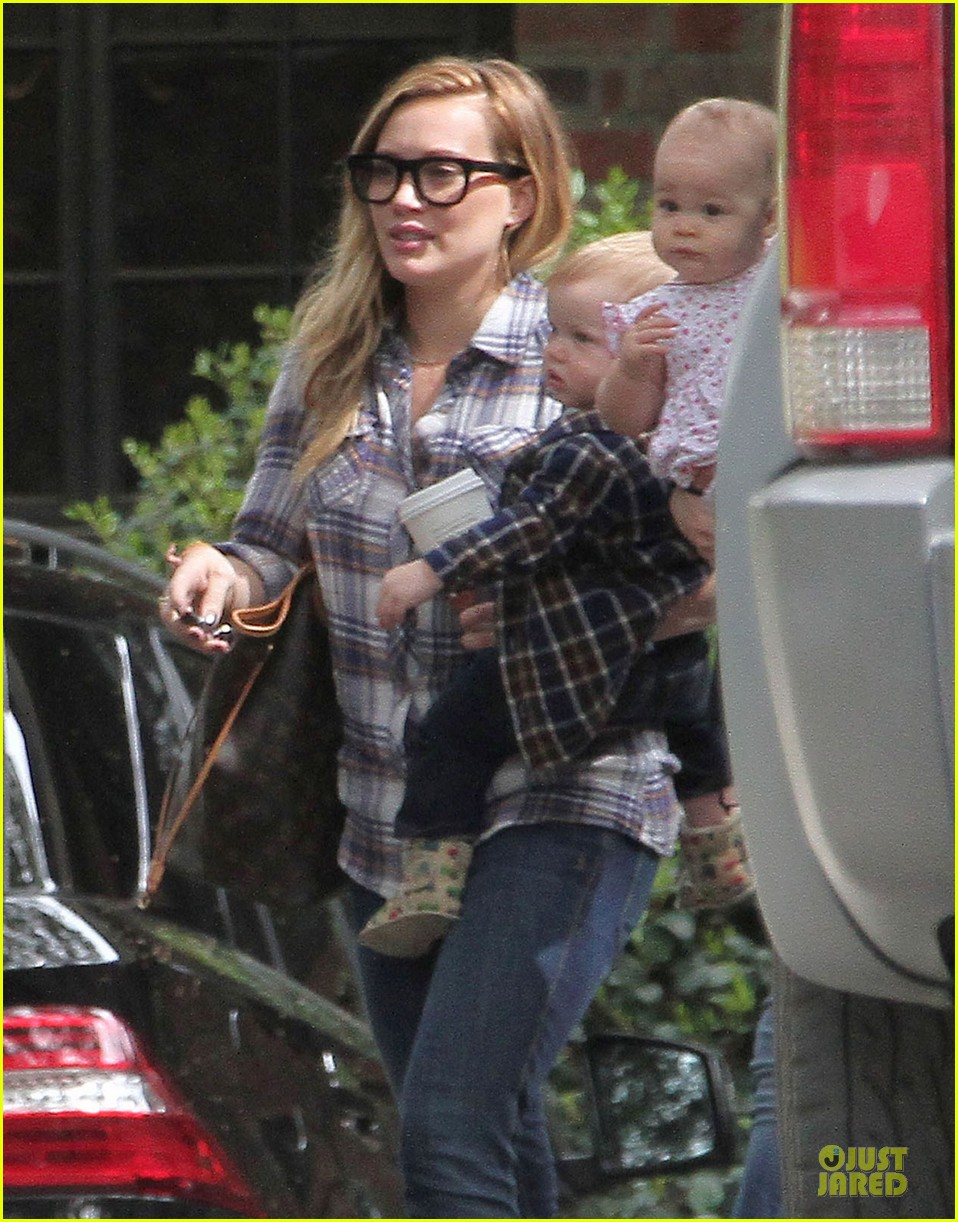 hilary duff mike comrie birthday party with luca 242828024