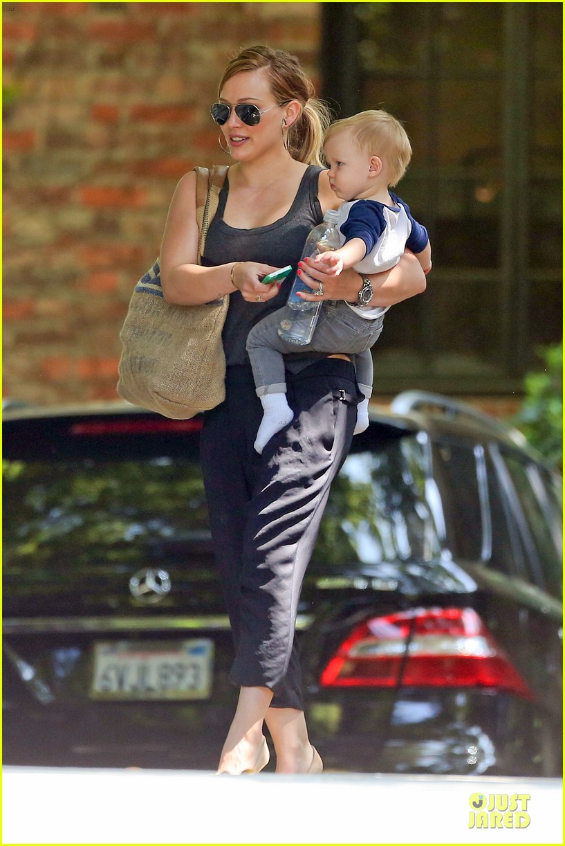hilary duff bonding with sister in law elizabeth 03