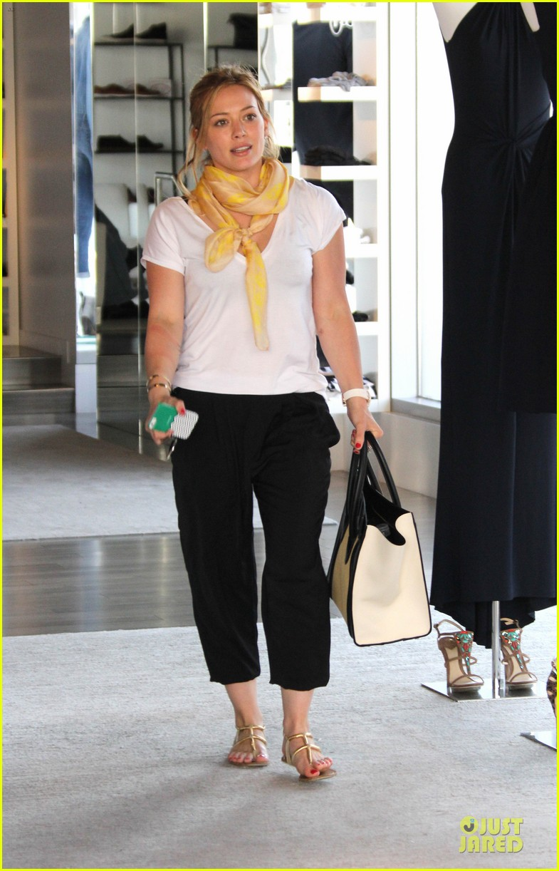 hilary duff daily grill lunch stop 022836053