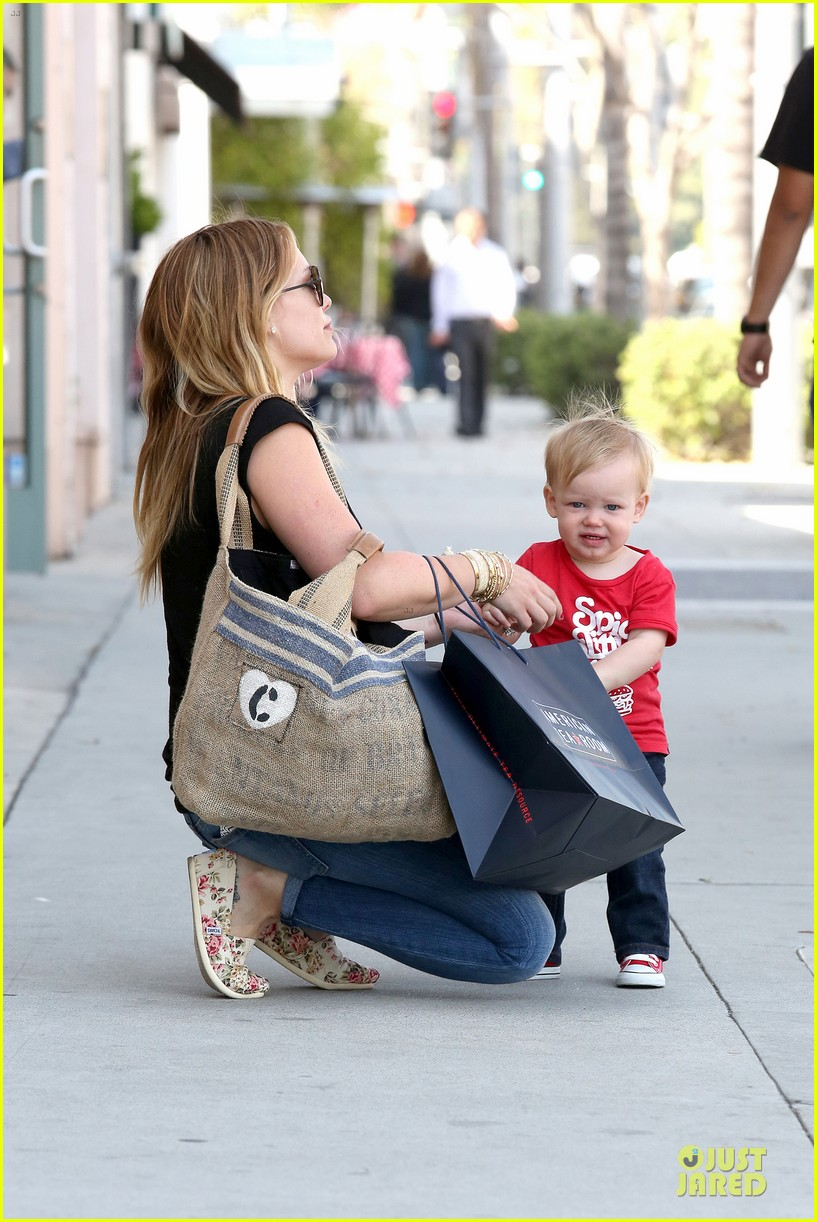 hilary duff daily grill lunch stop 102836061