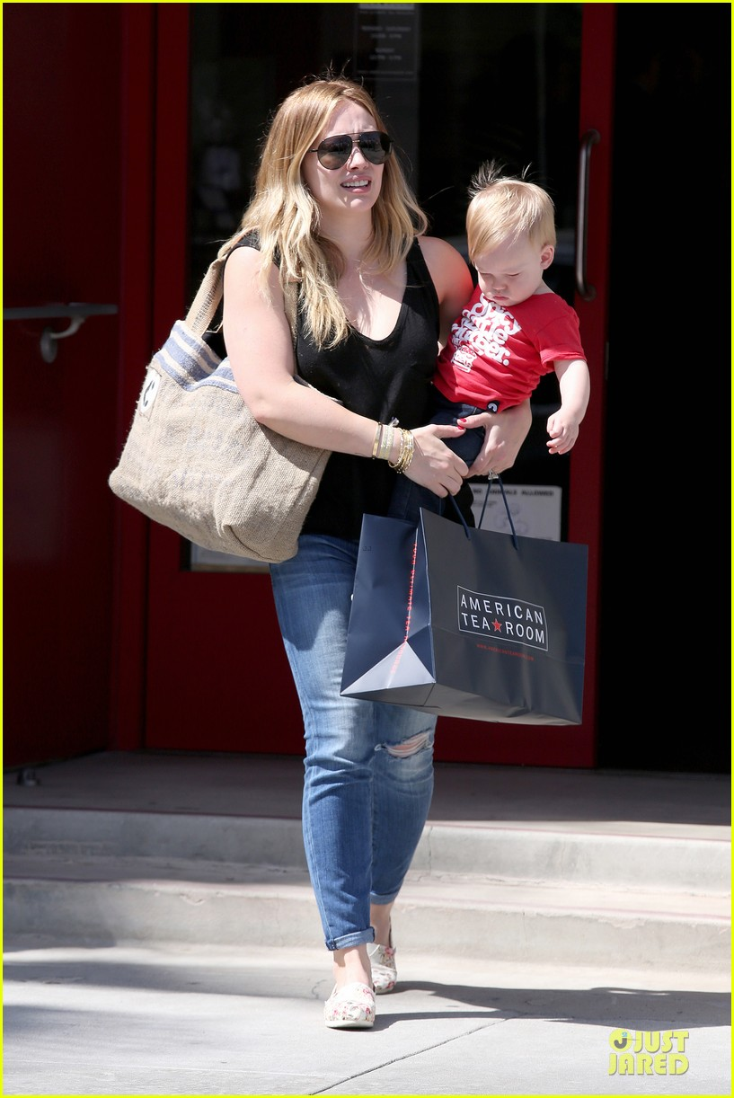 hilary duff daily grill lunch stop 122836063