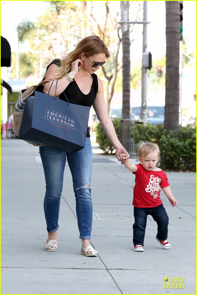 hilary duff daily grill lunch stop 132836064