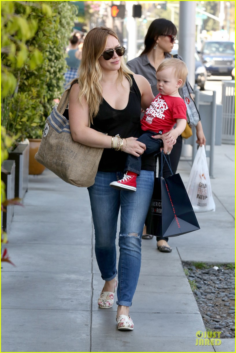 hilary duff daily grill lunch stop 142836065