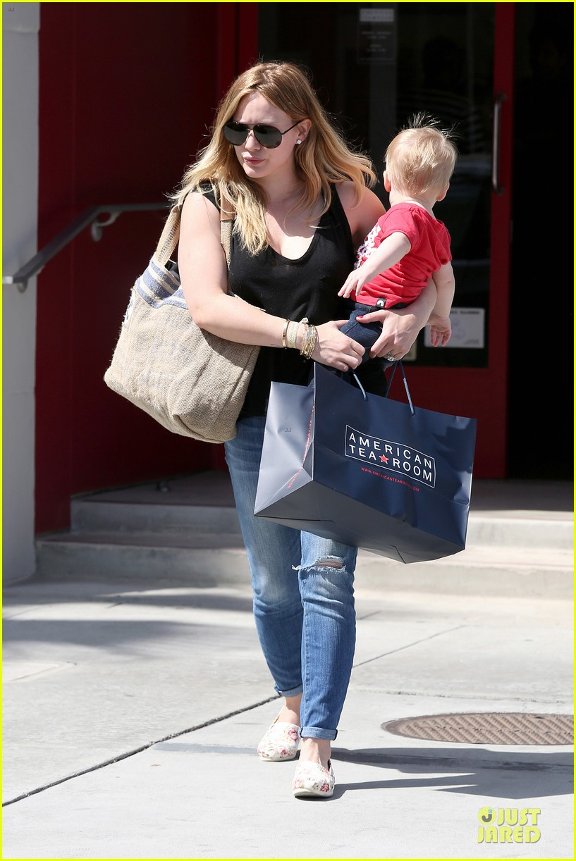 hilary duff daily grill lunch stop 152836066