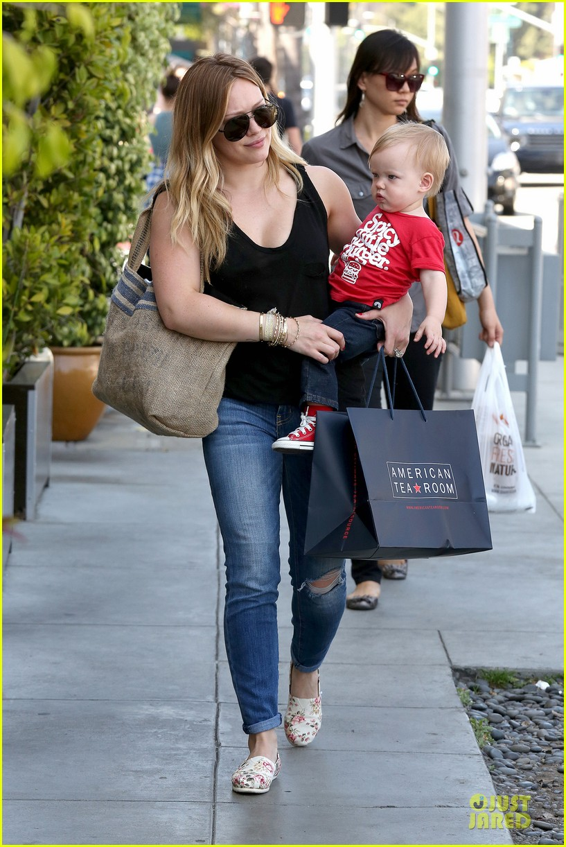 hilary duff daily grill lunch stop 18