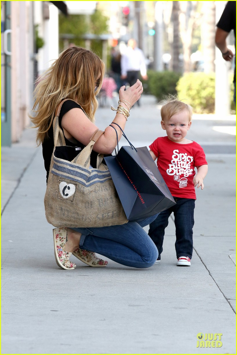 hilary duff daily grill lunch stop 212836072