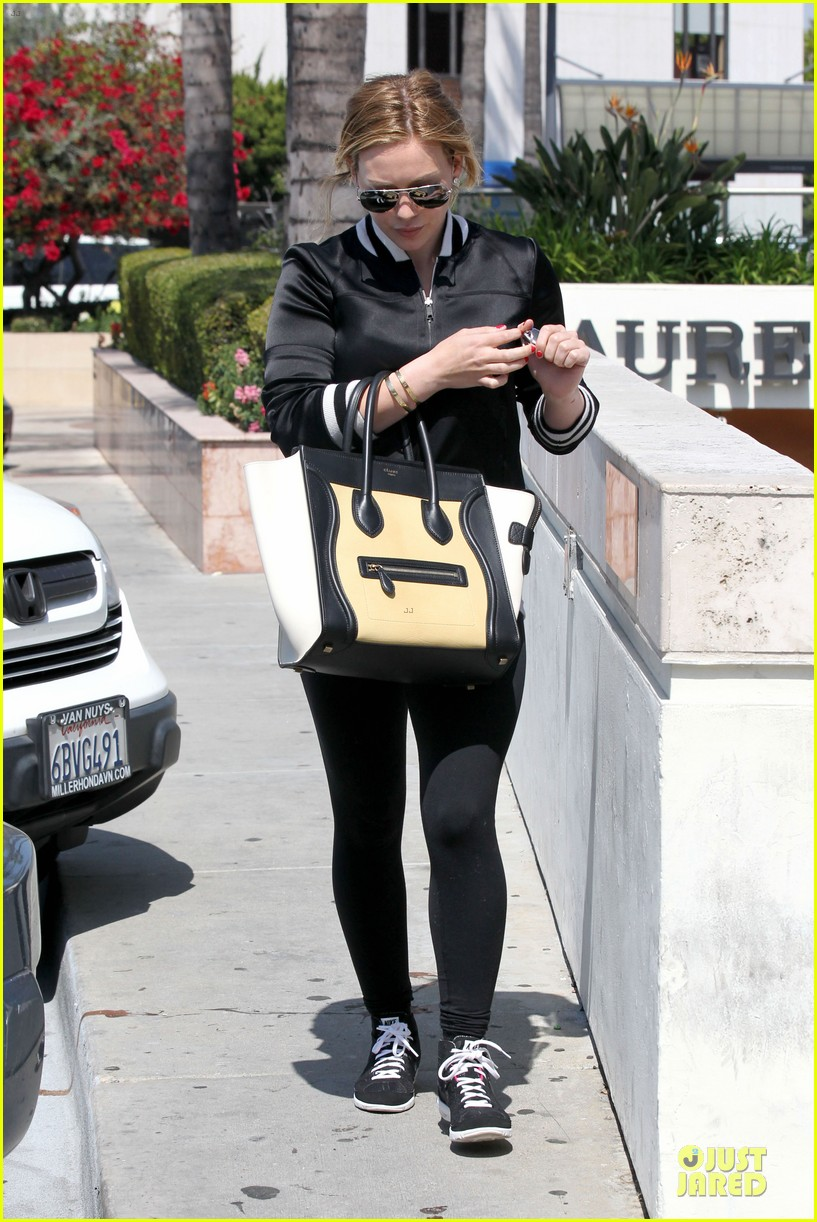 hilary duff daily grill lunch stop 352836086