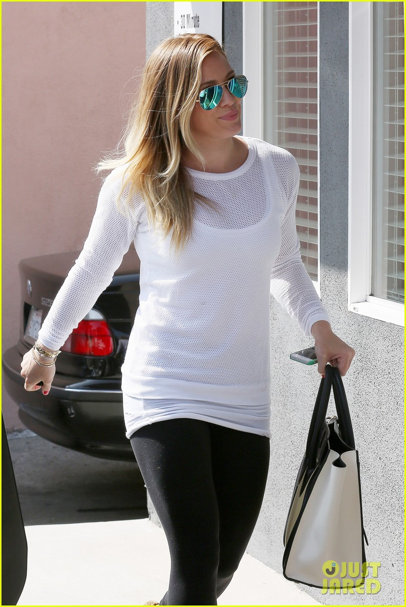 hilary duff la outing with sleepy luca 06