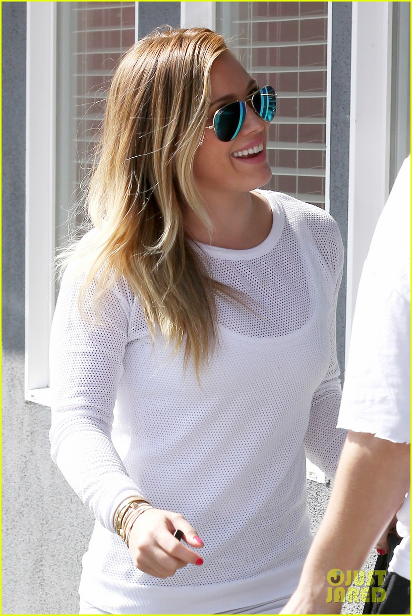 hilary duff la outing with sleepy luca 132839188
