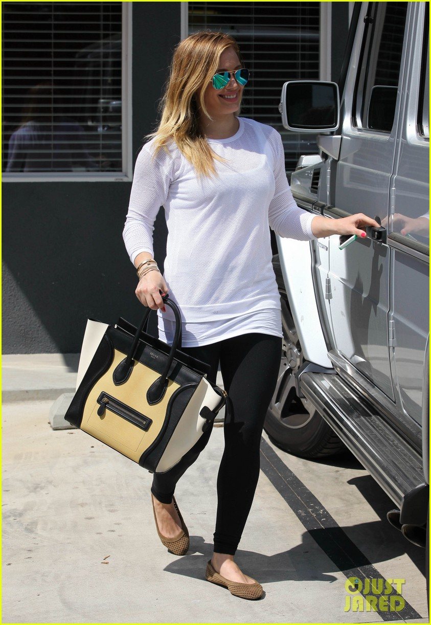hilary duff la outing with sleepy luca 212839196