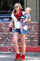 hilary duff mike comrie charlies pantry with baby luca 08