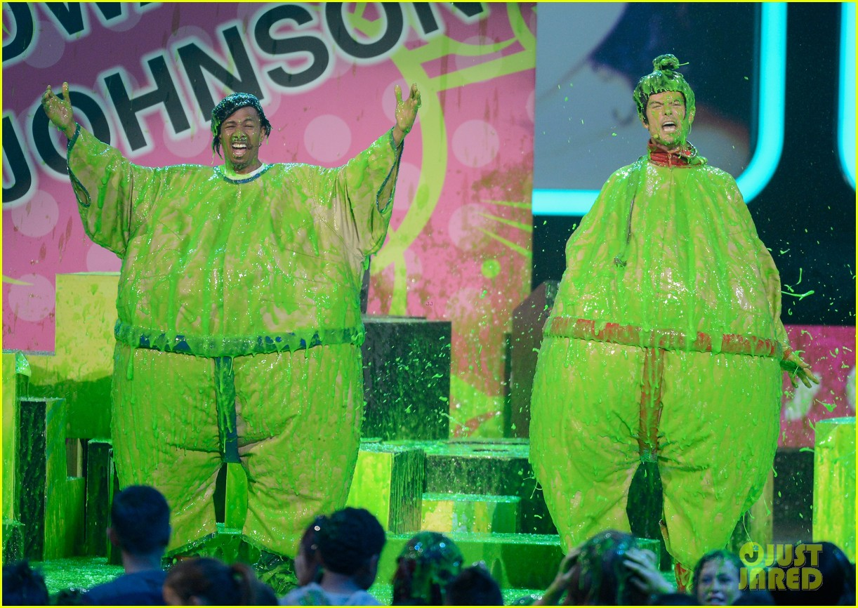 josh duhamel slime covered host at kids choice awards 2013 112836569