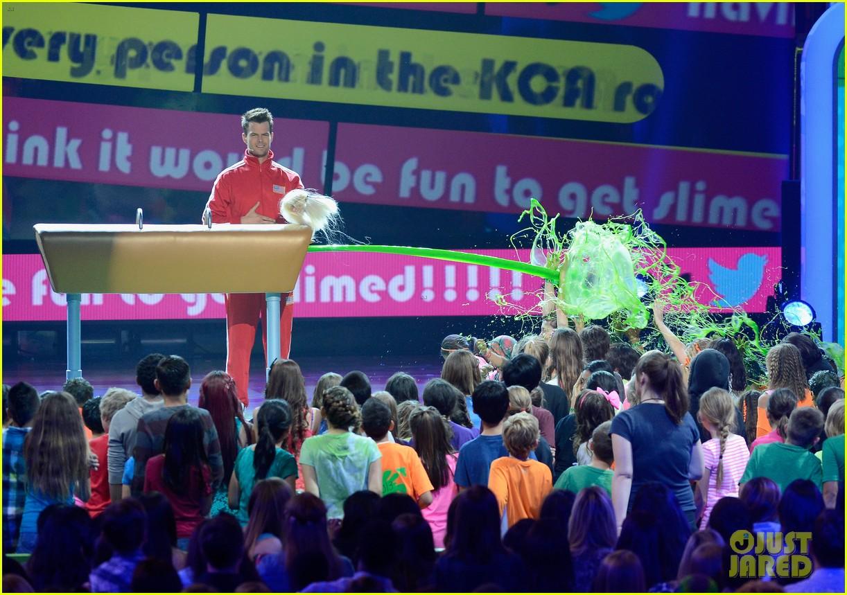 josh duhamel slime covered host at kids choice awards 2013 142836572