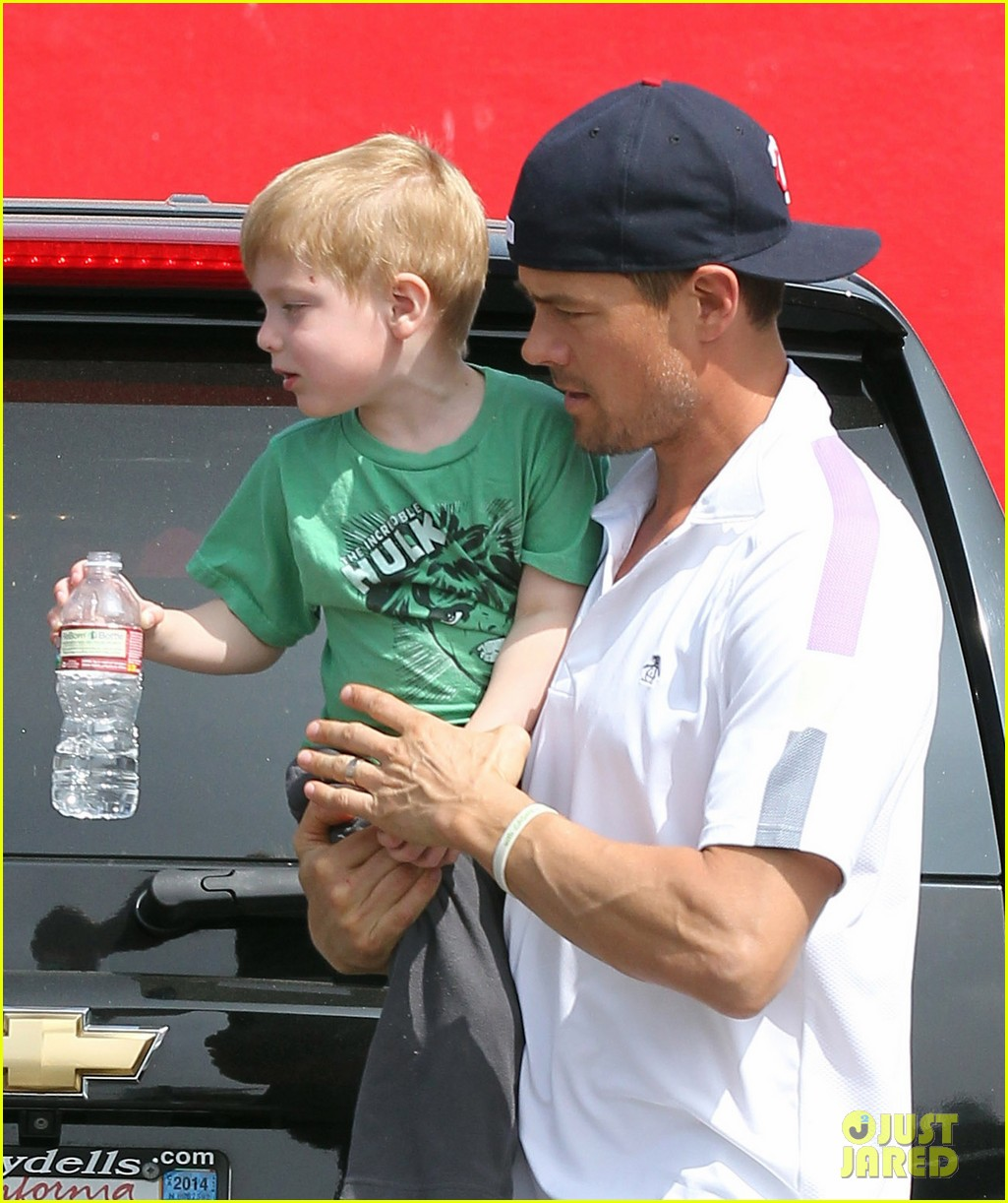 josh duhamel in n out outing 042839145