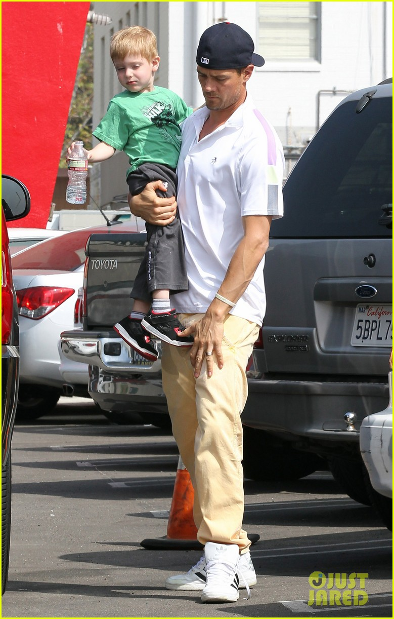 josh duhamel in n out outing 122839154