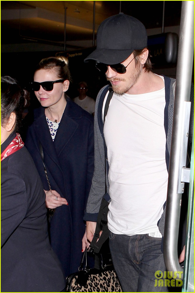 kirsten dunst garrett hedlund paris to los angeles 042826436