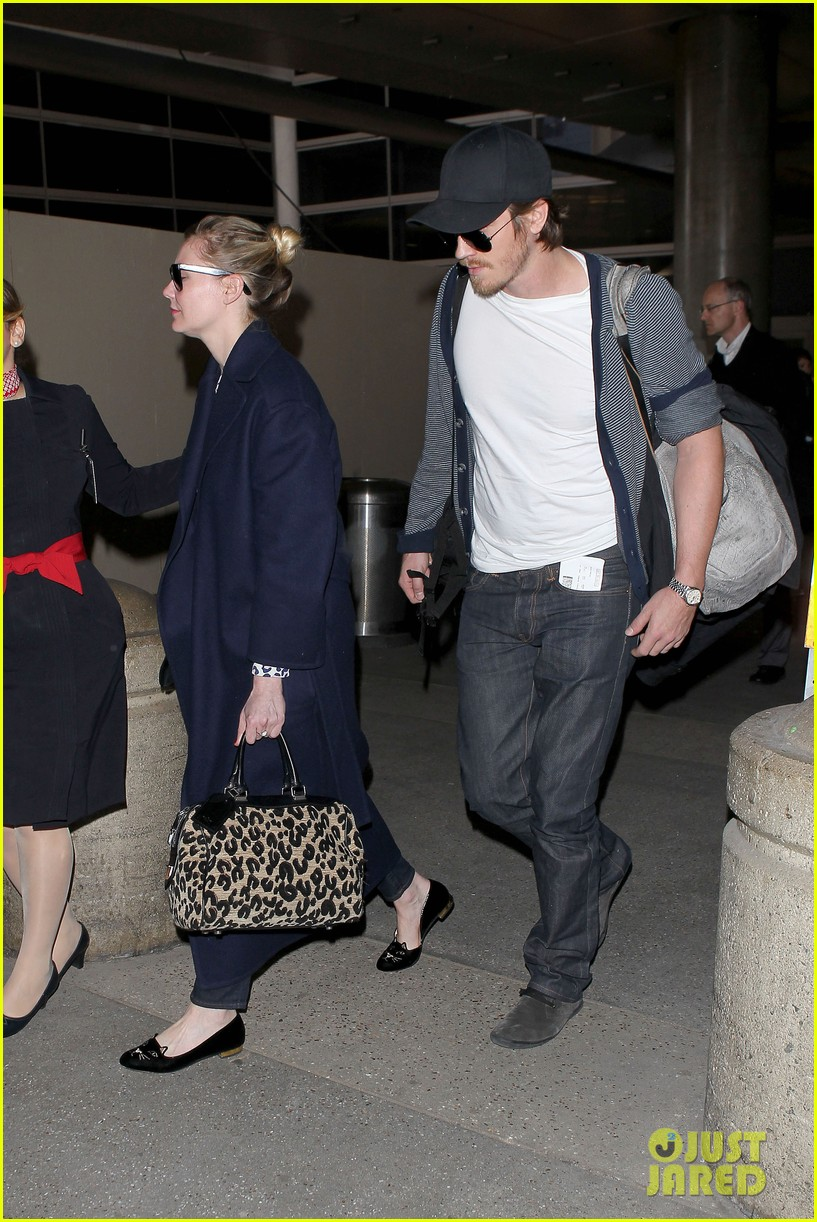 kirsten dunst garrett hedlund paris to los angeles 05